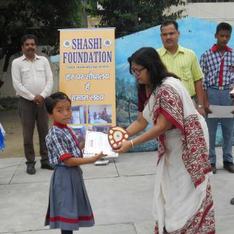 Teachers and students being awarded for actively participating in the awareness program in kashipur (uttarakhand)(august 2016)