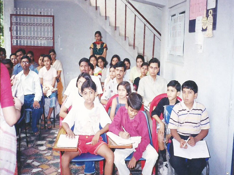 STUDENTS PARTICIPATING IN THE AWARENESS PROGRAM ON THE NEED FOR VOCATIONAL TRAINING (25 TH MAY 2003)