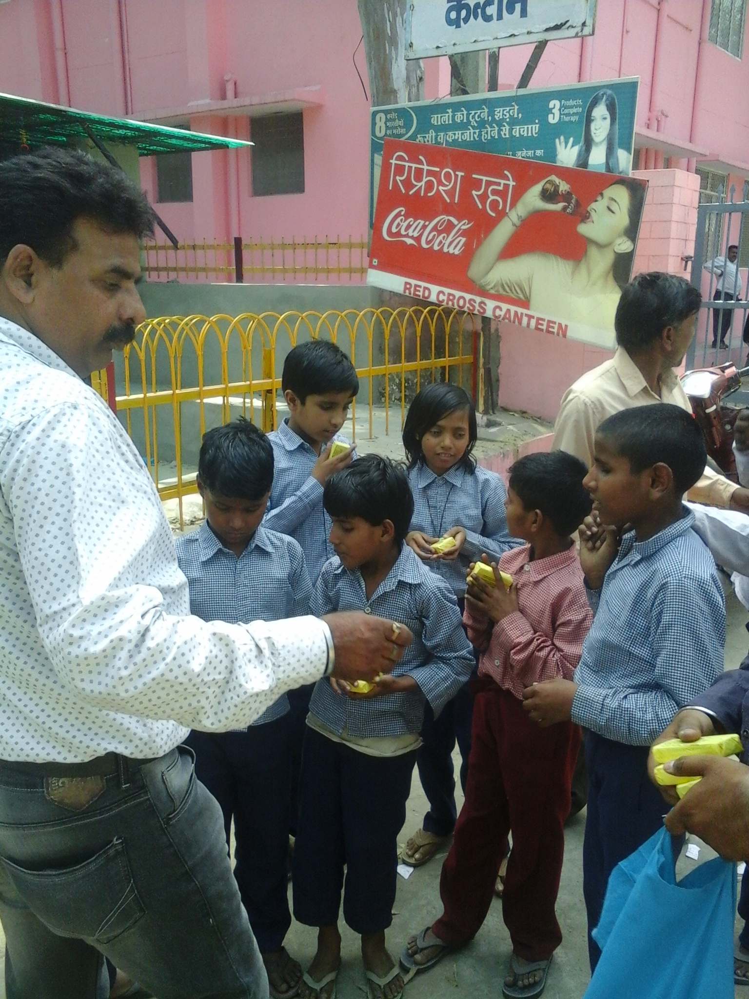 SOAP BEING DISTRIBUTED TO BLIND STUDENTS IN  MORADABAD (U.P.) ON HAND HYGIENE DAY (5TH MAY 2015)