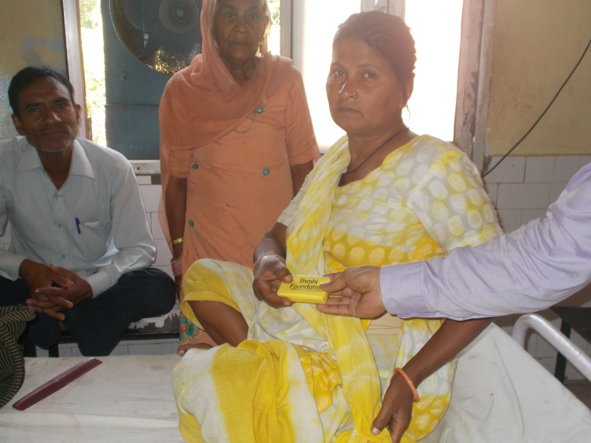SOAPS WERE DDISTRIBUTED TO THE PATIENTS AND STAFF OF BALRAMPUR HOSPITAL BY SHITIKA & BHUPENDRA ON HAND WASH DAY (5TH MAY 2015)